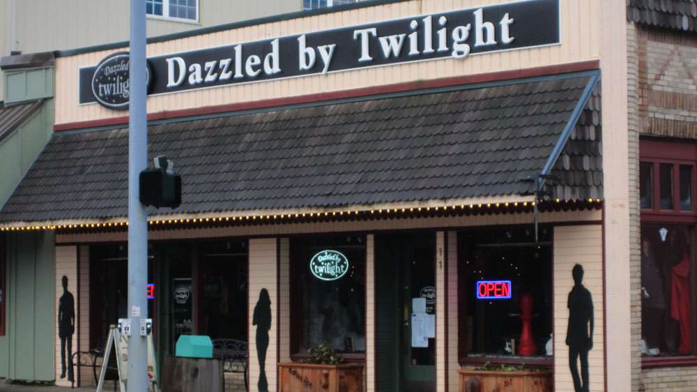 dazzled-by-twilight-store-forks-wa