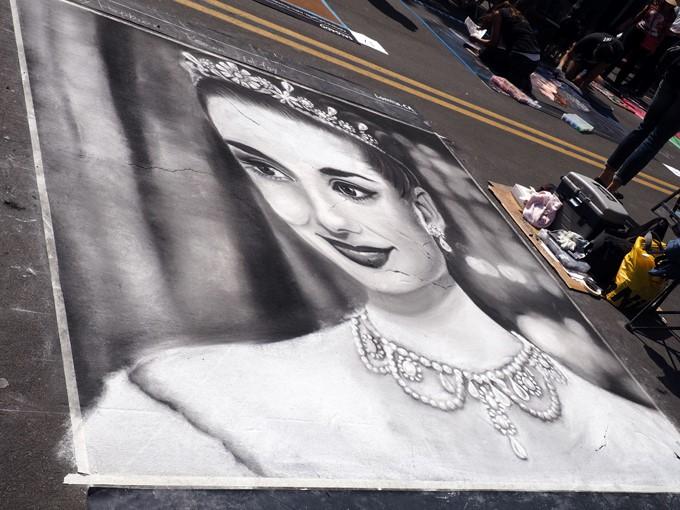 audrey hepburn chalk