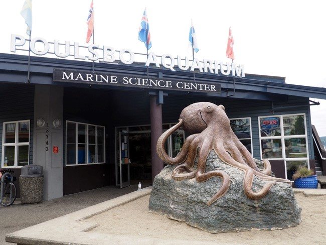 poulsbo marine science center entrance
