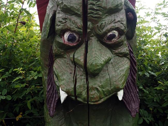 hornet ear troll