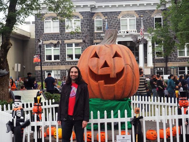 halloween pumpkin town