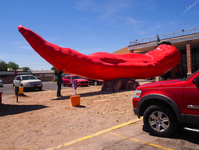 Spotted On The Roadside The World S Largest Chili Pepper Mellzah