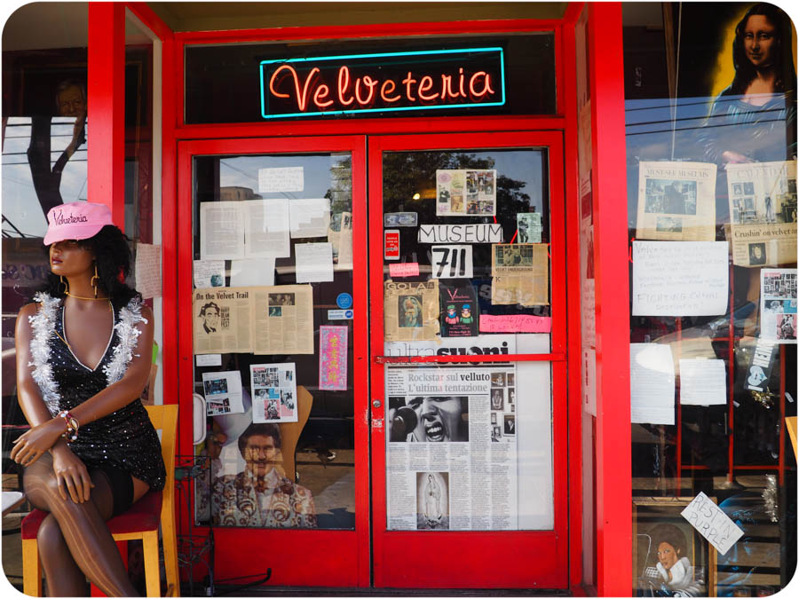 Velveteria Los Angeles