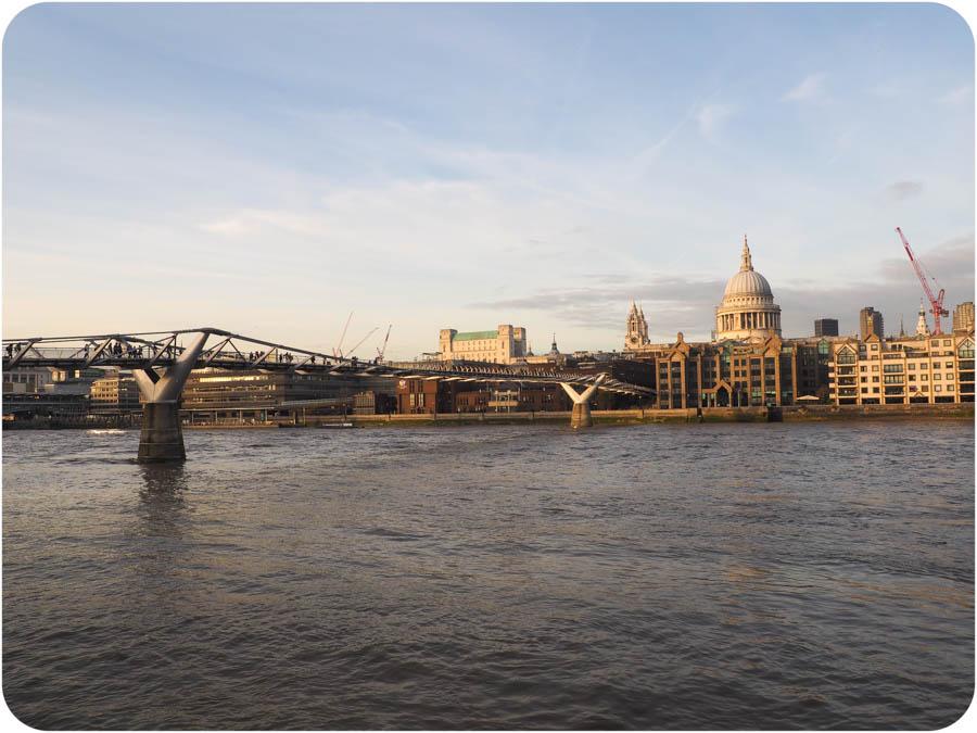The Queen's Walk & London Eye